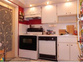 Property for sale at 4900 Washington St Unit: 312, Hollywood,  Florida 33021