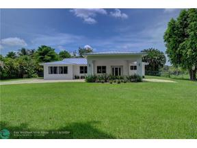 Property for sale at 13850 SW 18th Ct, Davie,  Florida 33325