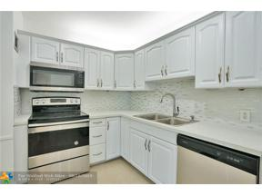 Property for sale at 20100 W Country Club Dr Unit: 504, Aventura,  Florida 33180