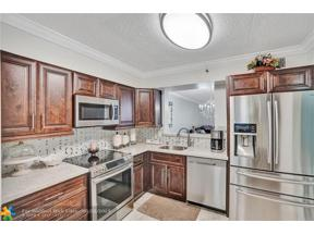 Property for sale at 4550 NW 18th Ave Unit: 108, Pompano Beach,  Florida 33064
