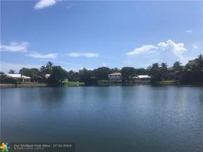 Property for sale at 51 Cayuga Rd, Sea Ranch Lakes,  Florida 33308