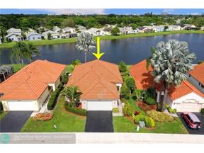 Property for sale at 8955 Lake Park Cir, Davie,  Florida 33328