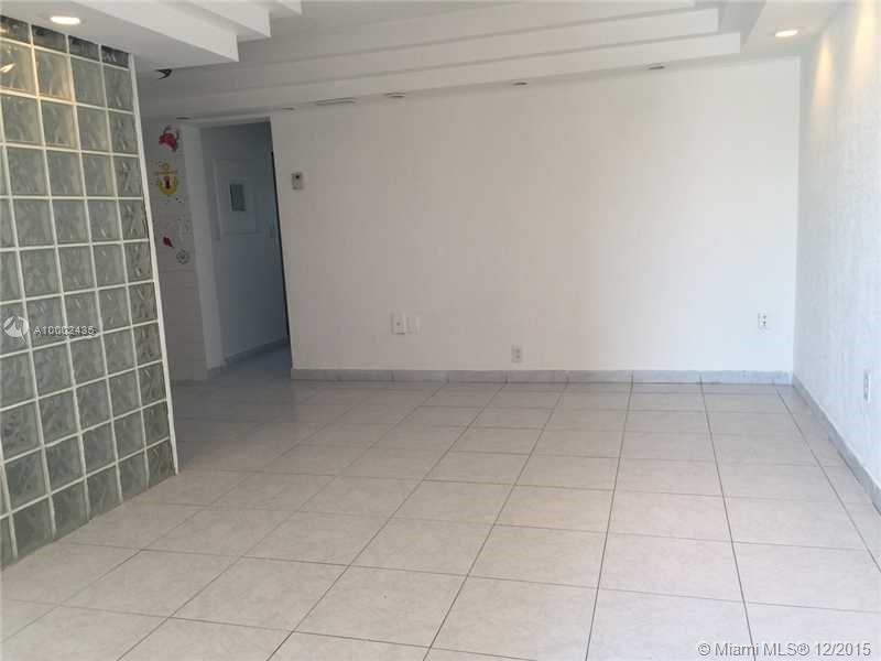 Photo of home for sale at 525 Meridian Ave, Miami Beach FL