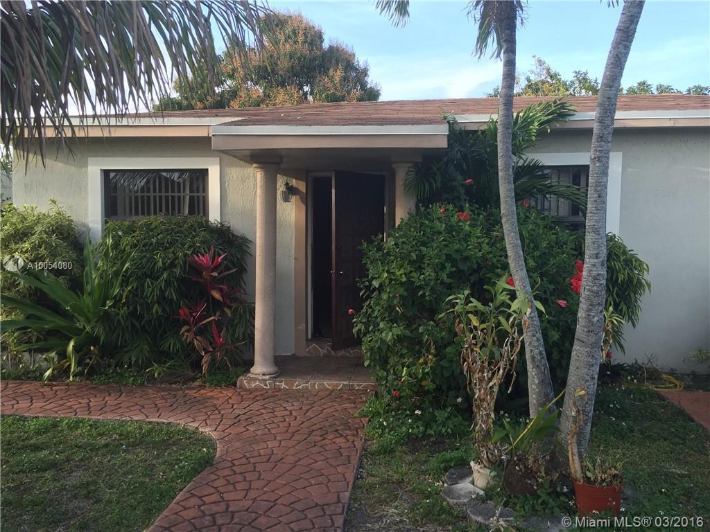 Photo of home for sale at 1475 142nd St NE, North Miami FL