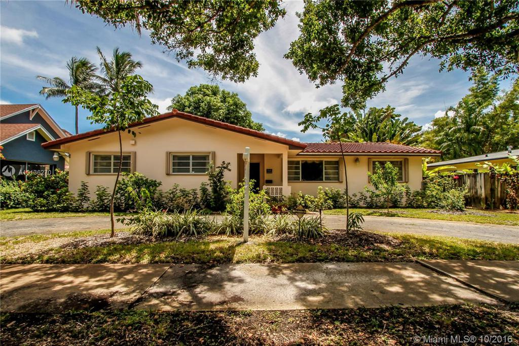Photo of home for sale at 1628 Monroe St, Hollywood FL