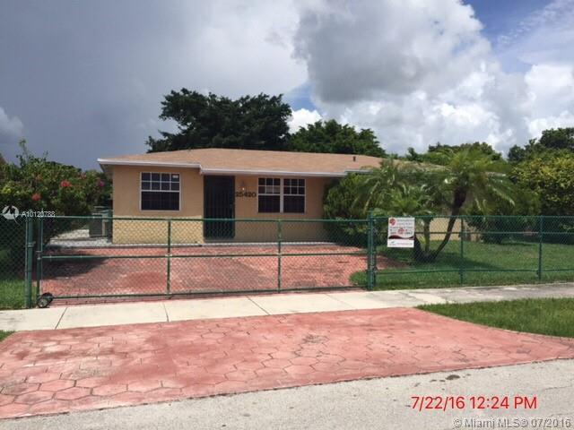 Photo of home for sale at 25420 124th Ct SW, Homestead FL