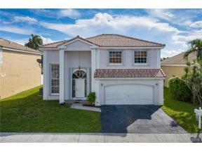 Property for sale at 14020 Oak Ridge Dr, Davie,  Florida 33325