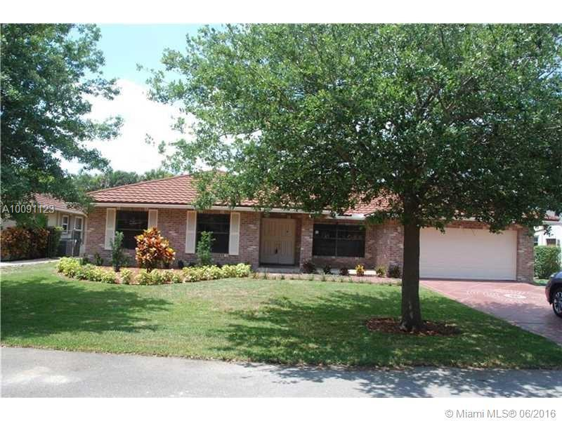 Photo of home for sale at 5119 48th Ave NW, Coconut Creek FL