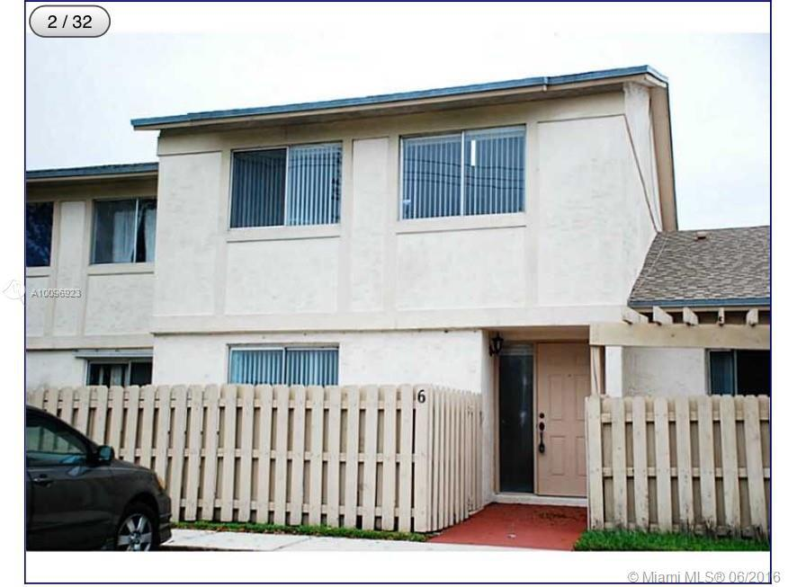 Photo of home for sale at 10875 29th Mnr NW, Sunrise FL