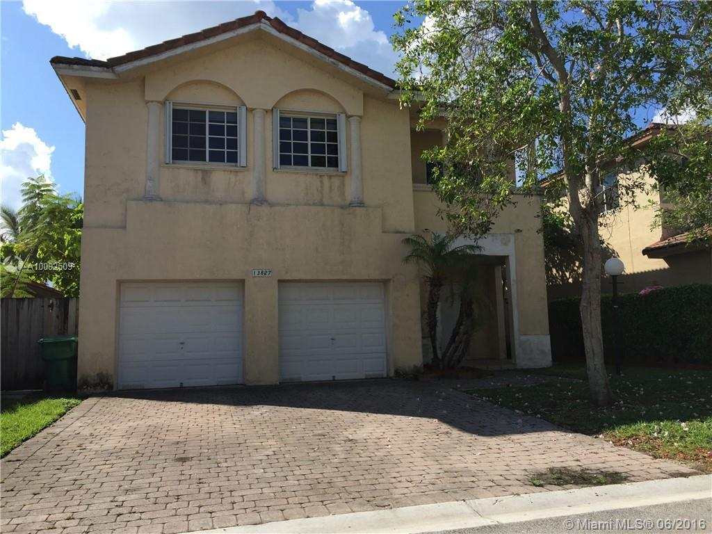 Photo of home for sale at 13833 124th Avenue Rd SW, Miami FL