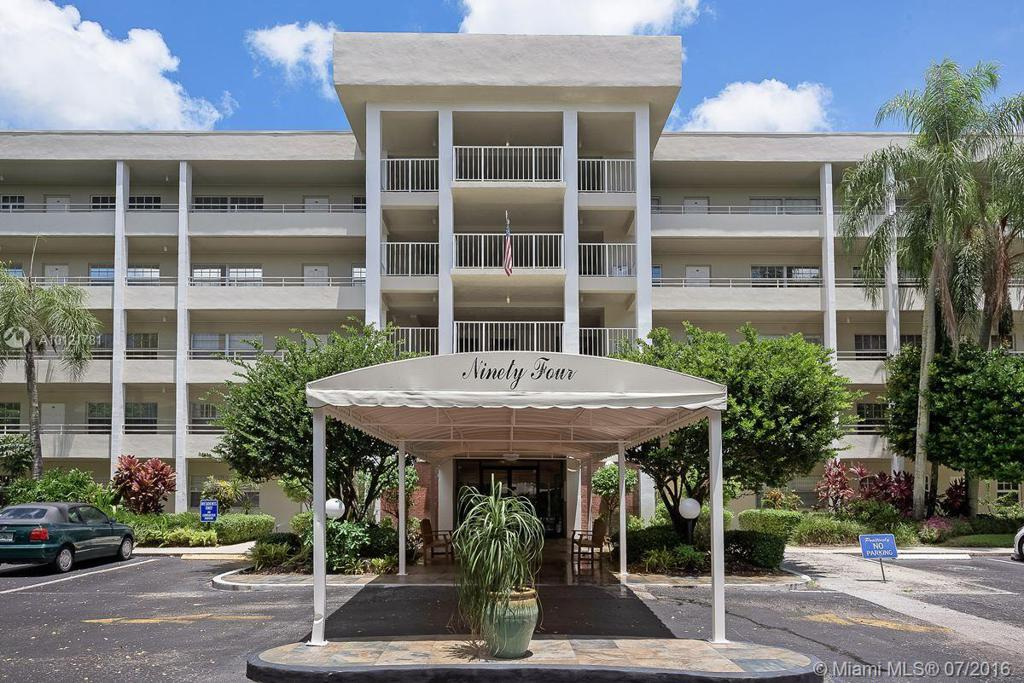 Photo of home for sale at 808 Cypress Blvd, Pompano Beach FL