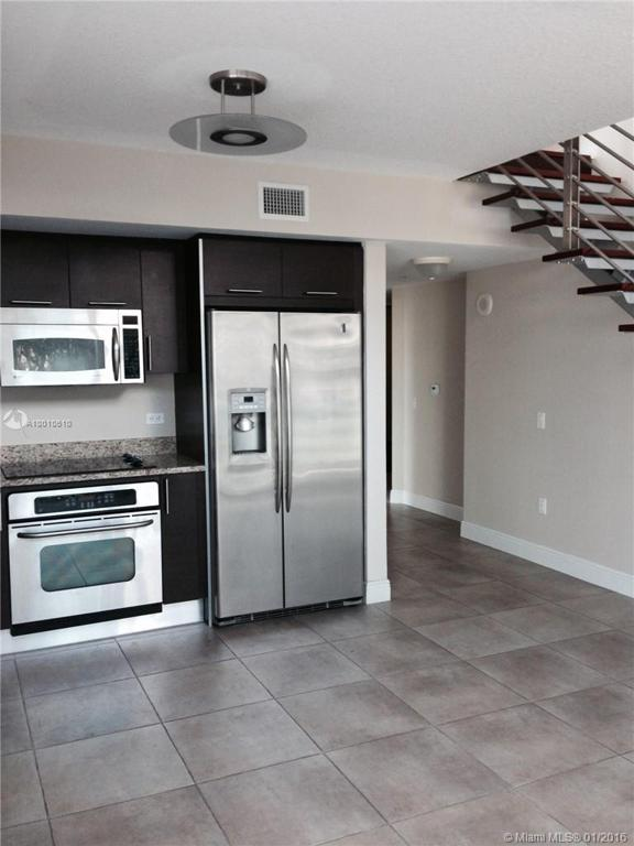 Photo of home for sale at 41 5 ST SE, Miami FL