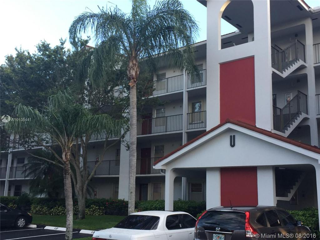 Photo of home for sale at 1100 128th Ter SW, Pembroke Pines FL