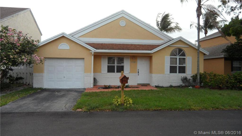 Photo of home for sale at 1121 109th Way SW, Davie FL