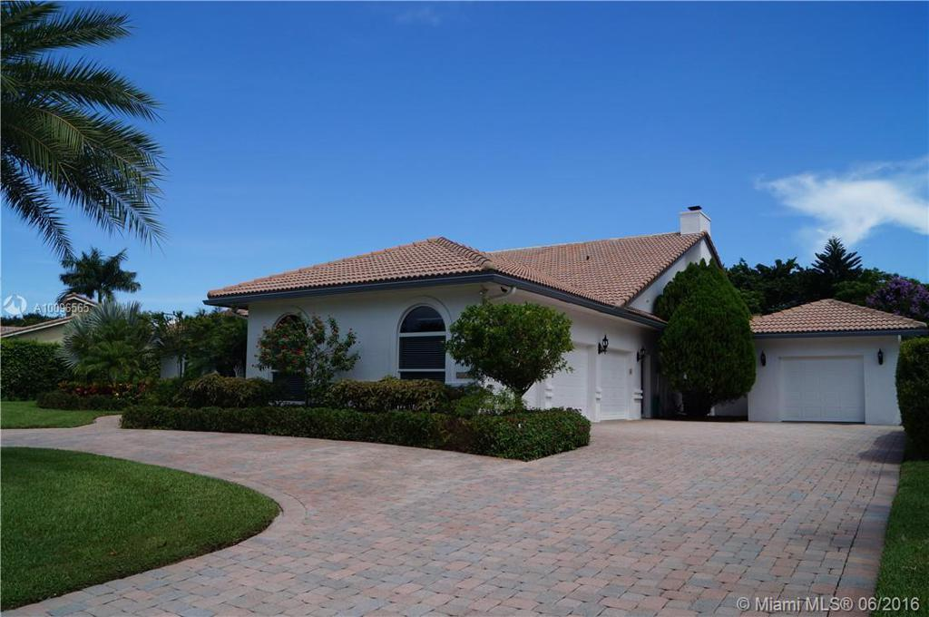 Photo of home for sale at 21166 Sweetwater Ln, Boca Raton FL