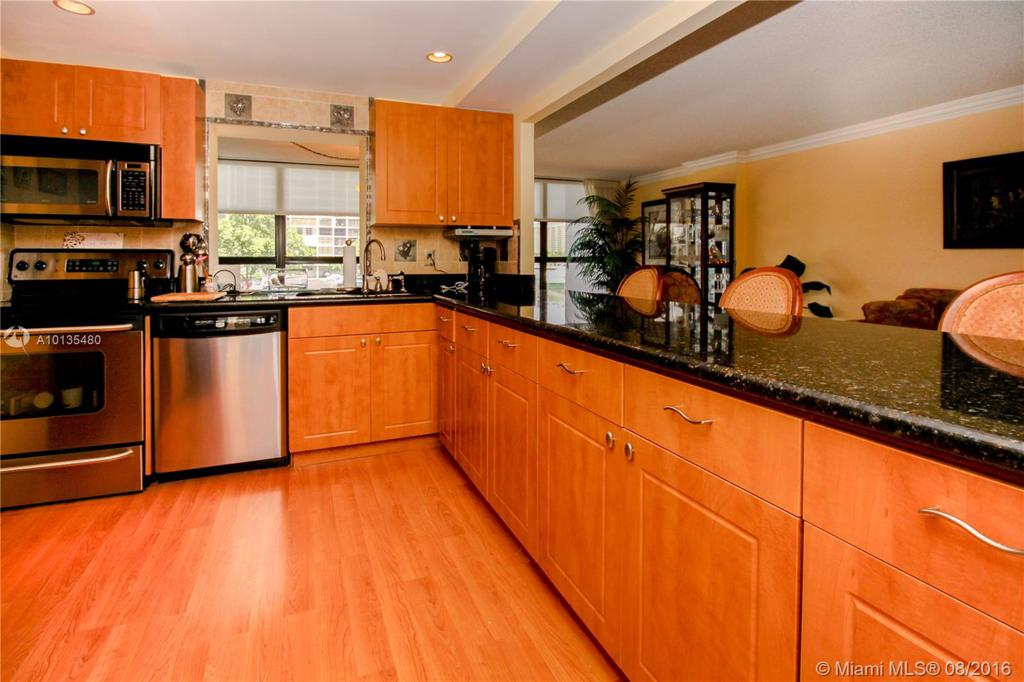 Photo of home for sale at 400 Leslie Dr, Hallandale FL