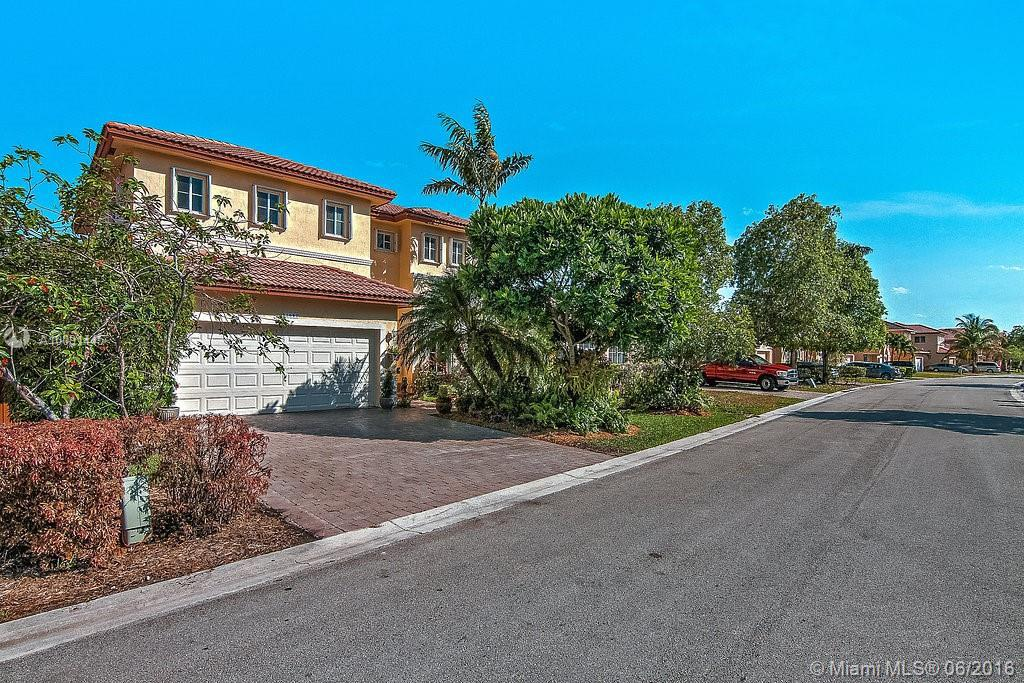 Photo of home for sale at 13643 124th Avenue Rd SW, Miami FL