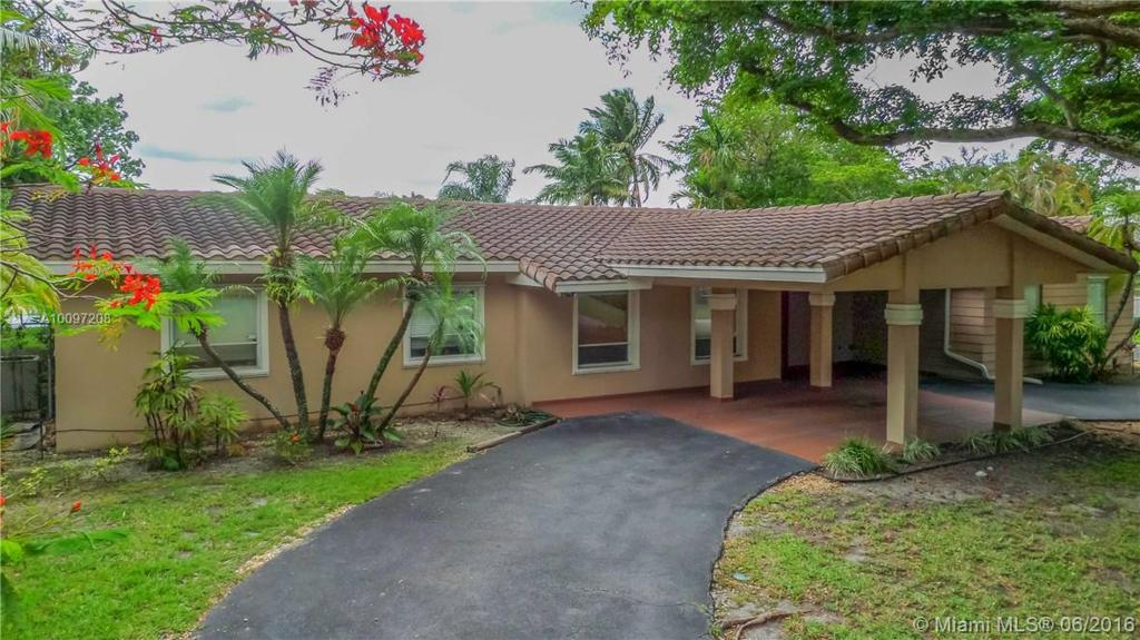 Photo of home for sale at 9320 142nd St, Miami FL
