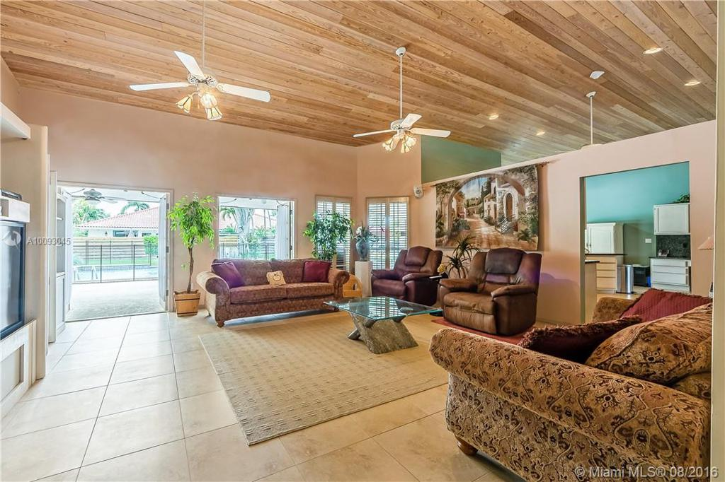 Photo of home for sale at 13054 106 Ave SW, Miami FL