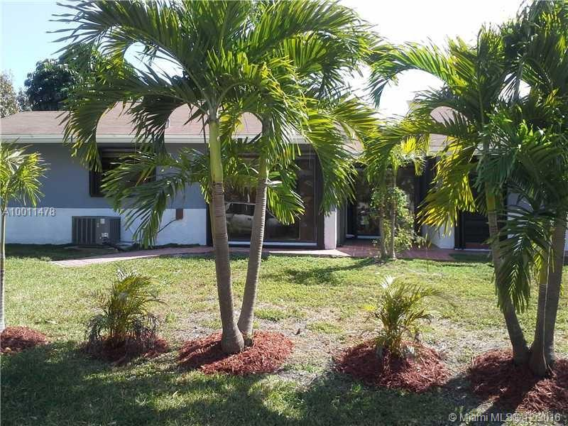 Photo of home for sale at 15341 112 PL SW, Miami FL