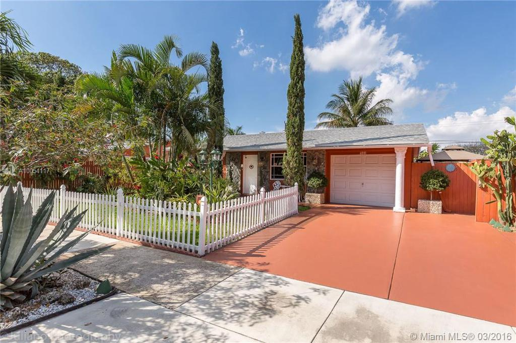 Photo of home for sale at 6881 Park St, Hollywood FL