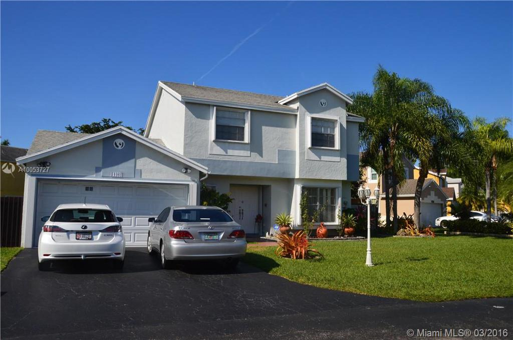 Photo of home for sale at 14461 93 Te SW, Miami FL