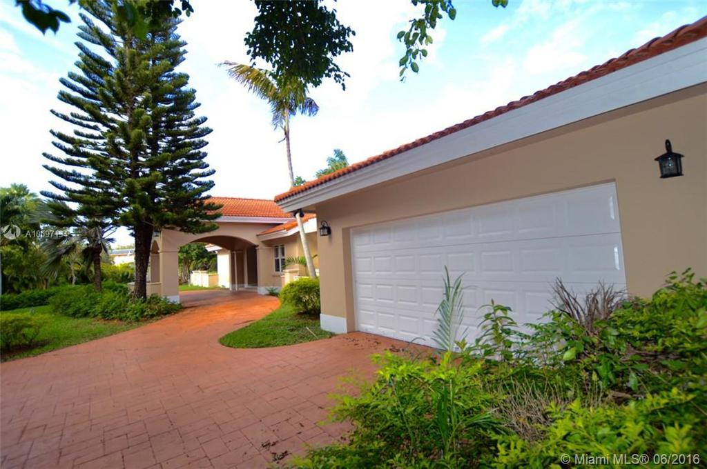 Photo of home for sale at 1950 123rd Ave SW, Miami FL