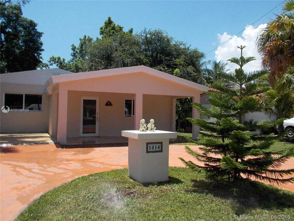 Photo of home for sale at 1414 179th St, North Miami Beach FL