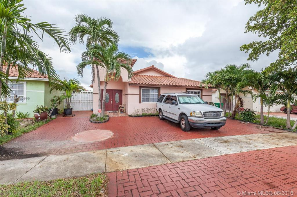 Photo of home for sale at 8915 111th Ter NW, Hialeah FL