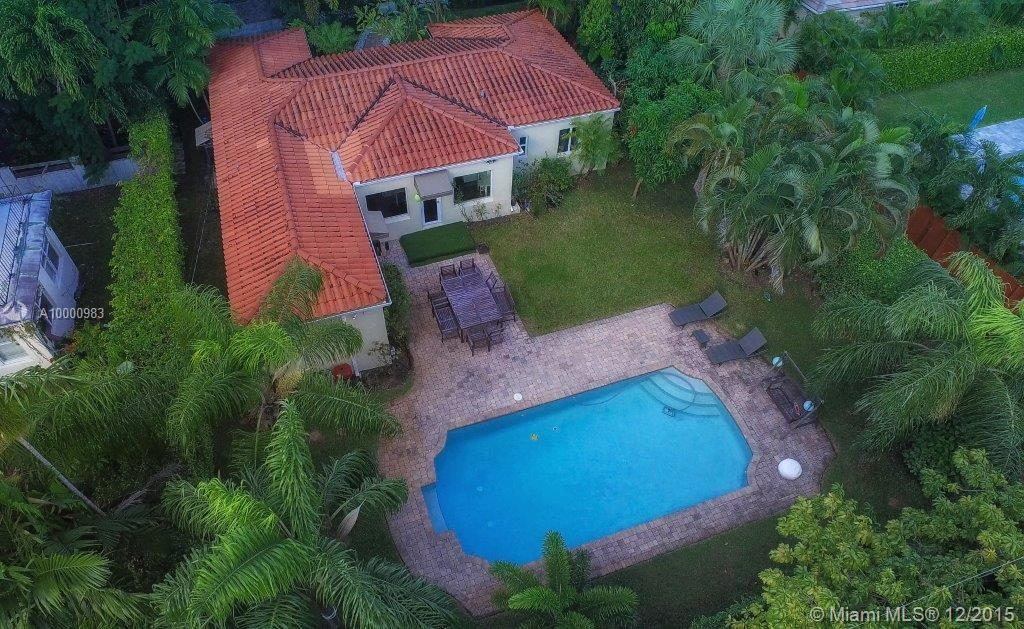 Photo of home for sale at 136 96th St NW, Miami Shores FL