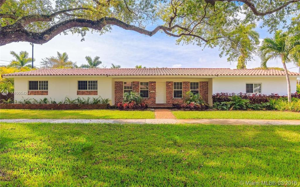 Photo of home for sale at 990 99th St NE, Miami Shores FL