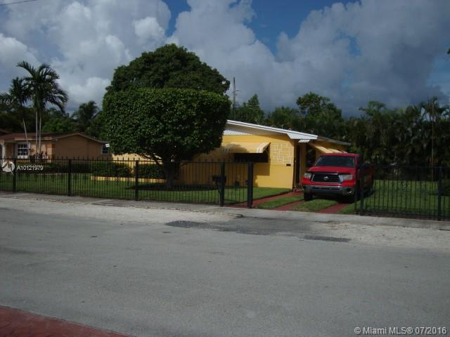 Photo of home for sale at 17152 24th Ct NW, Miami Gardens FL