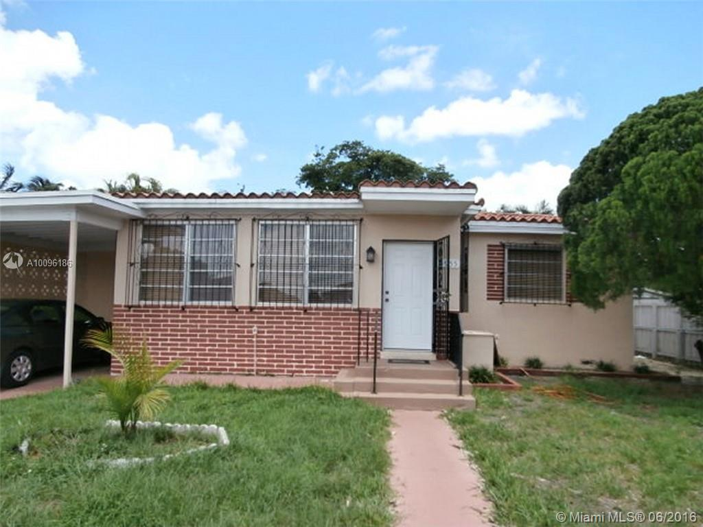 Photo of home for sale at 4955 1st Ave E, Hialeah FL
