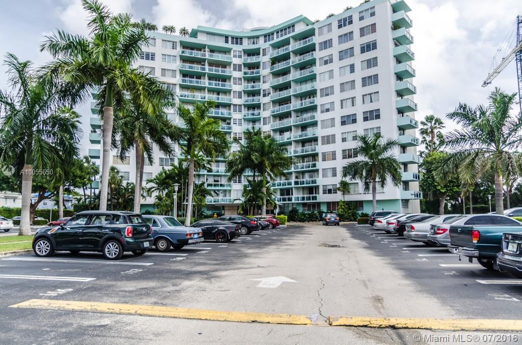 Photo of home for sale at 3301 5 AV NE, Miami FL
