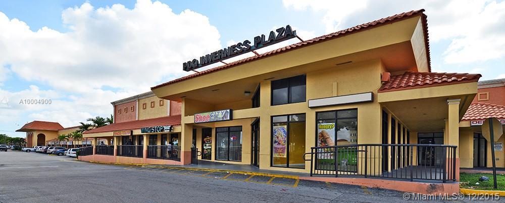 Photo of home for sale at 5510 Oakland Park Blvd W, Lauderhill FL