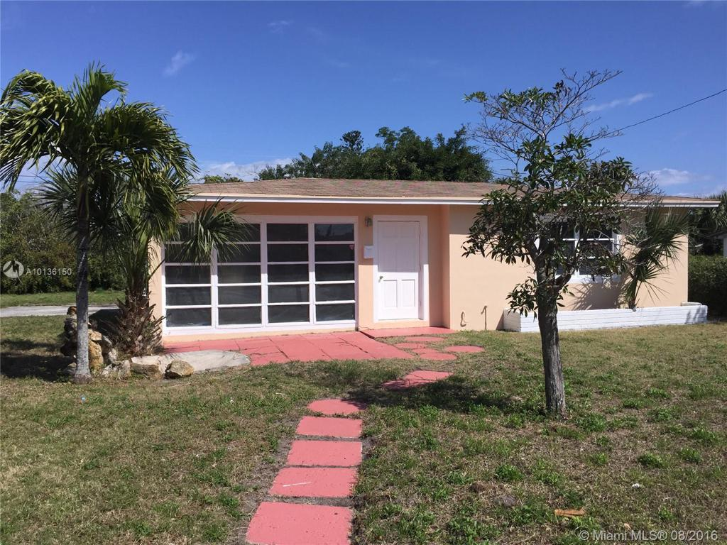 Photo of home for sale at 1572 33rd St W, Riviera Beach FL