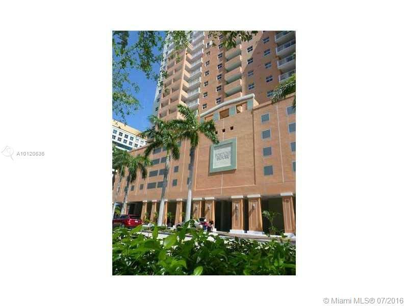 Photo of home for sale at 185 14th Ter SE, Miami FL