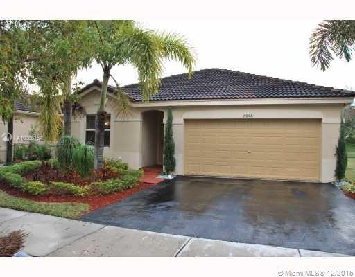 Photo of home for sale at 2008 Andromeda Ln, Weston FL
