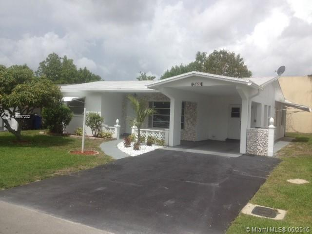 Photo of home for sale at 4153 52nd Ave, Lauderdale Lakes FL