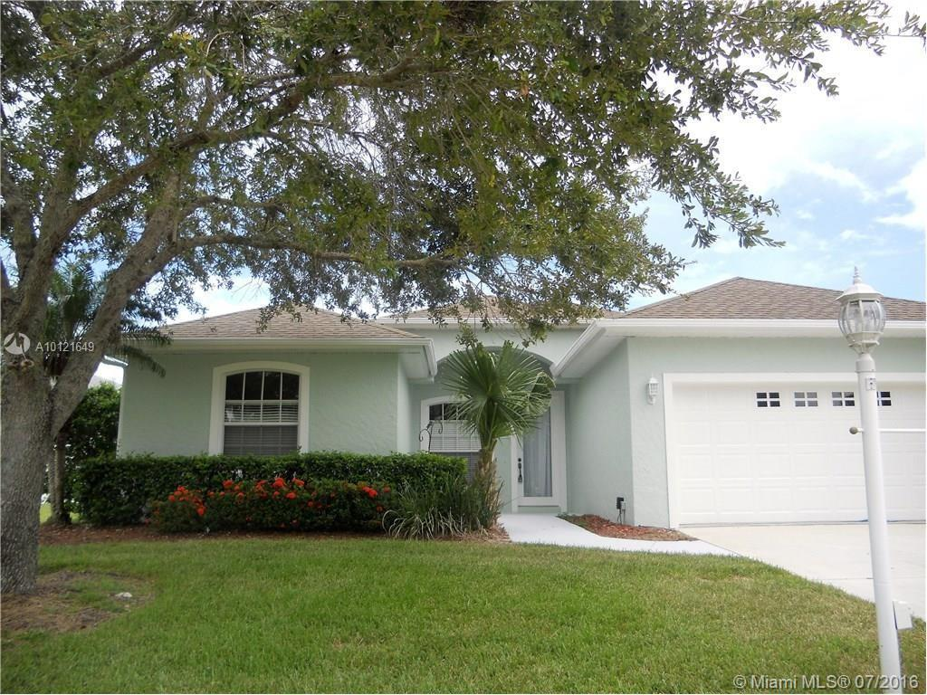 Photo of home for sale at 5676 1st square SW W, Vero Beach FL