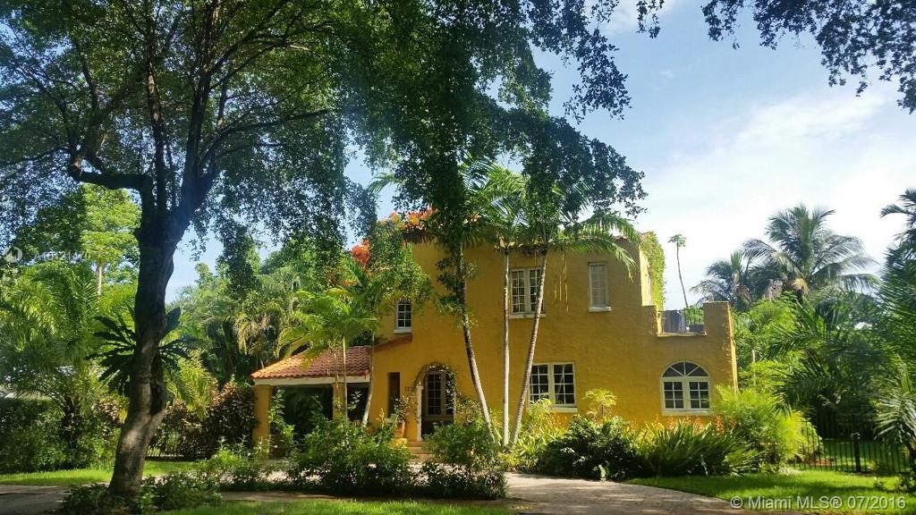 Photo of home for sale at 117 Aledo Ave, Coral Gables FL