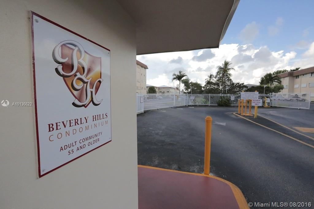 Photo of home for sale at 5300 Washington St, Hollywood FL