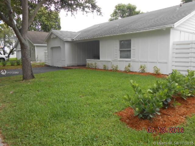 Photo of home for sale at 14919 139 Pl SW, Miami FL