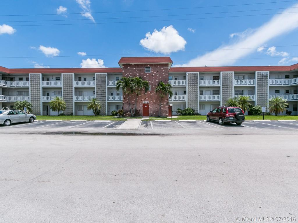 Photo of home for sale at 1310 43rd Ave NW, Lauderhill FL