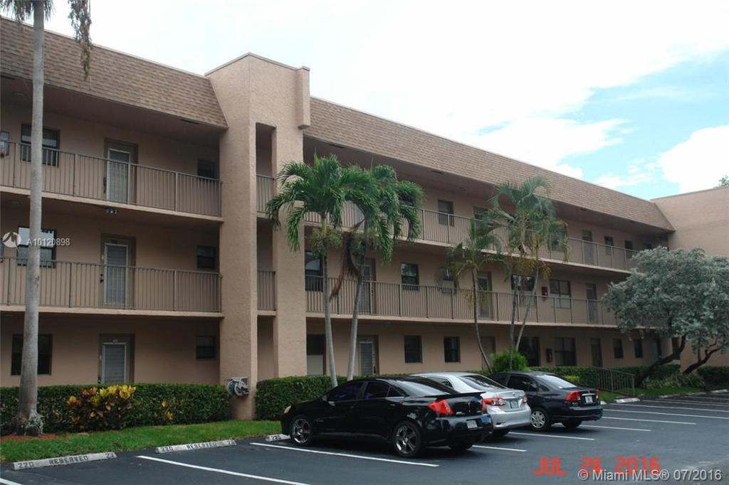 Photo of home for sale at 10466 Sunrise Lakes Blvd, Sunrise FL