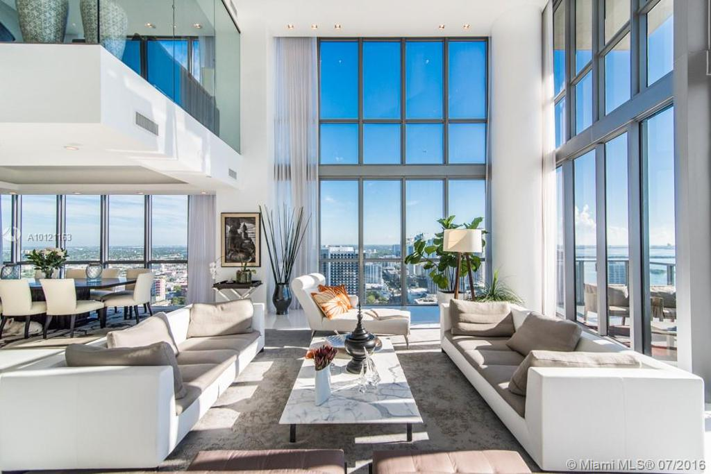 Photo of home for sale at 1100 Biscayne Blvd, Miami FL
