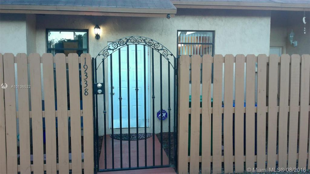 Photo of home for sale at 19338 67th Pl NW, Miami Gardens FL