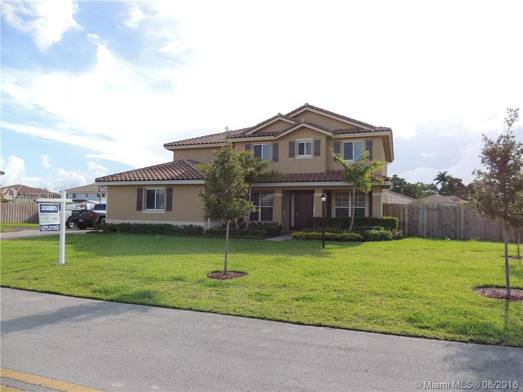Photo of home for sale at 2190 16th Pl NW, Homestead FL