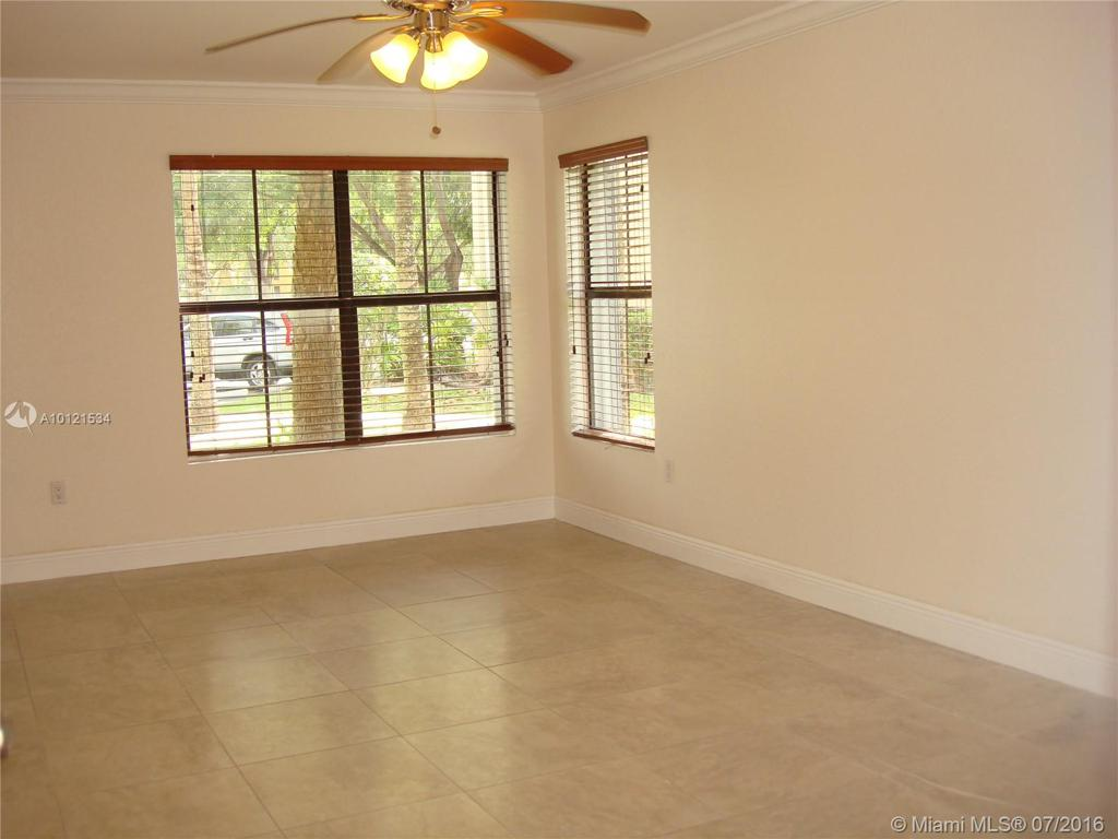 Photo of home for sale at 15610 105th Ln SW, Miami FL