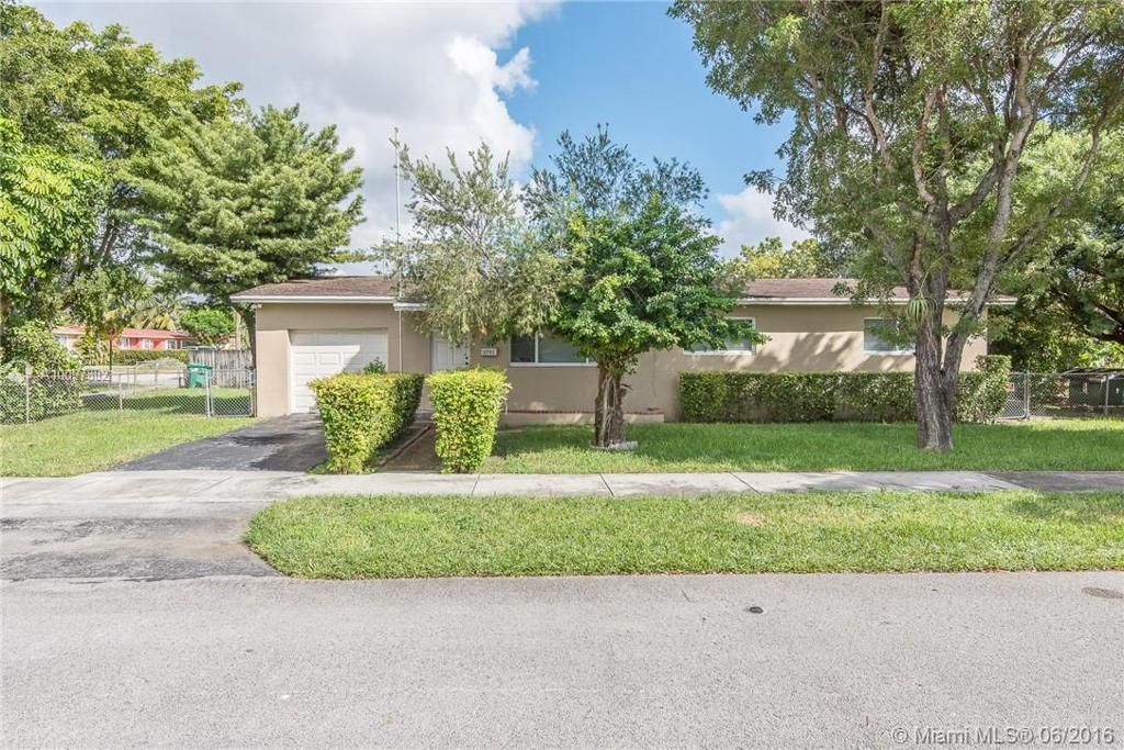 Photo of home for sale at 2701 105th Ave SW, Miami FL